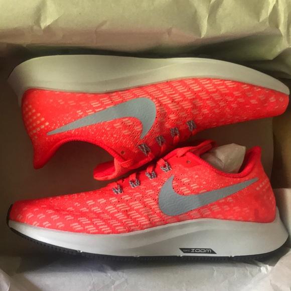 9b275881647 NIB Nike Air Zoom Pegasus 35